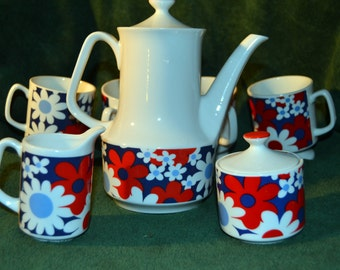 Vintage Red White and Blue Flower Power Retro Mod Napcoware Coffee/Tea Set Coffee Pot Sugar & Creamer and Footed Cups Japan