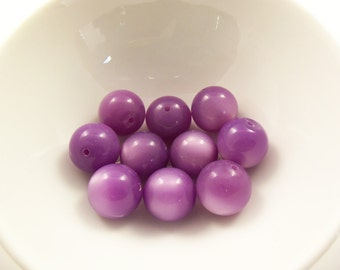 16 Vintage 14mm Purple Moonglow Lucite Beads Luc226