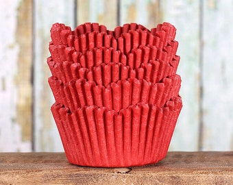 Red Petal Cupcake Liners, Red Scallop Cupcake Wrappers , Wedding Cupcake Liners, Red Tulip Cupcake Liners, Cupcake Cases, Christmas (50)