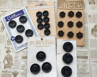 B54 Lot of 5 vintage carded buttons Costumemakers Le Chic Ultra Kraft brown black sewing collecting