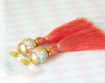 Boucles d'oreilles à pompons, Boucles d'oreilles pêche, Boucles d'oreilles en soie, Livraison gratuite, Bijoux bohèmes, Bijoux chics