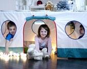 Maison de jeu, playhouse, maison de jeu de nappe de table, de jouer tente, playhouse extérieure, intérieure playhouse, accessoire anniversaire, maison de nappe