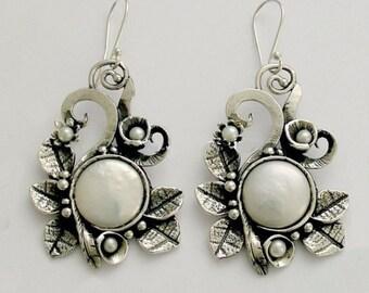 Coin pearl earrings, botanical earrings, sterling silver earrings, leaf earrings, silver leaves, woodland earrings - Crazy love E2156