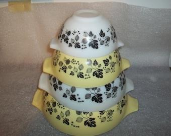 Set of 4 Yellow & White Gooseberry Pyrex Cinderella Mixing Bowl Set, Beautiful!
