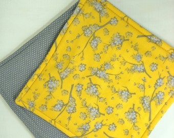 Gray and Yellow Potholders, Set of 2 Yellow Gray Blossom Fabric Pot Holders, Grey Yellow Kitchen Decor, Yellow Gray Potholders, Hot Pads