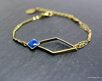 Bracelet diamond graphic
