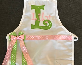 Personalized Child's Apron, Kids Apron, Children's Apron, Girls Apron, Embroidered Apron, Monogrammed Apron, Christmas Apron, Holiday Apron