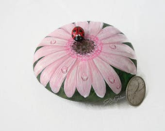 Painted rock, painted stone, pink daisy, gerbera daisy, lady bug, flower painted rock, daisy stone, garden decor, daisy flower, pale pink