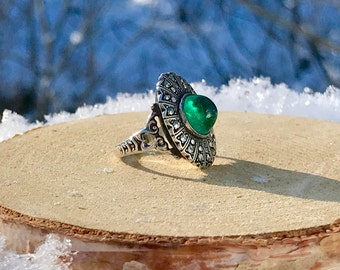 Silver Art Deco Ring - Marcasite and Cabochon Ring - Antique Green Stone Ring - Vintage Sterling Silver Starburst Ring - WhistlingGypsyVTG