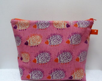"Japanese child vanity travel kit ""hedgehogs on pink background"""