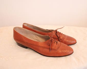 vintage brown tan oxford leather shoes lace up cut out cutout brogue shoe hipster size 9 Narrow