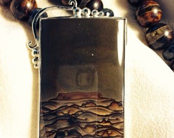 Amazing Biggs jasper necklace set in silver bezel with agate beads to match