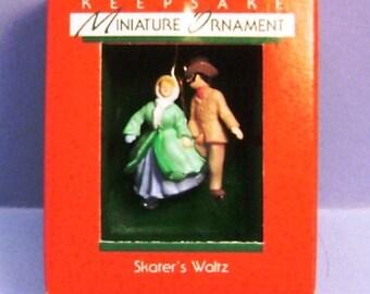 1988 Skaters Waltz Hallmark Retired Miniature Ornament