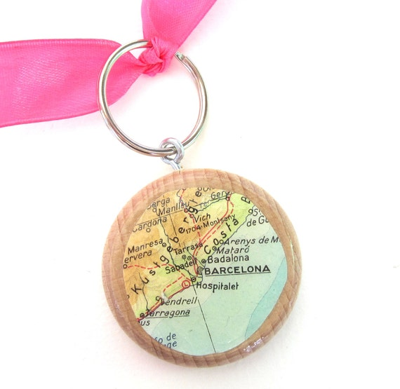 Personalized World map keychain Europe variations