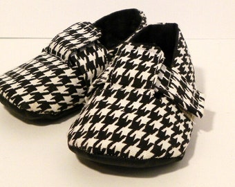 Baby shoe pattern for Boys or Girls - Little London Loafers PDF Sewing Pattern