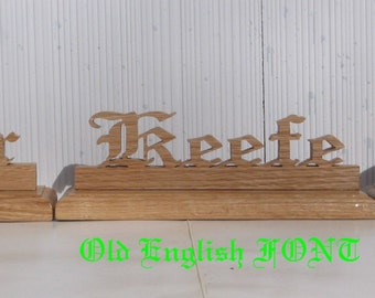 Mr & Mrs signs, wedding deocorations, rustic wedding, bridal table