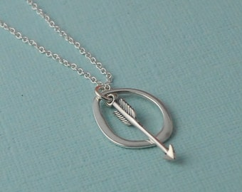 Arrow circe necklace / Organic circle necklace / Sterling Silver /Minimalist Necklace