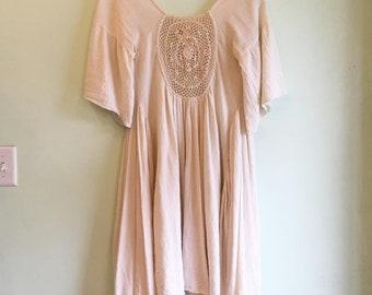 Vintage 1970s 100% Cotton dress with crochet details