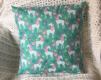 Unicorn - Throw Pillow Cover 16 x 16