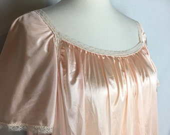 Cute babydoll nightie in peach with ivory lace Size Medium