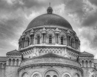 The Cathedral Basilica of St. Louis dome black and white photography