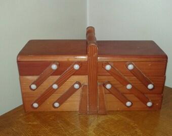 Working vintage 70s wooden box