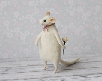 Needle Felted Mouse, Mouse With Flower, Needle Felted Animal, Waldorf Doll