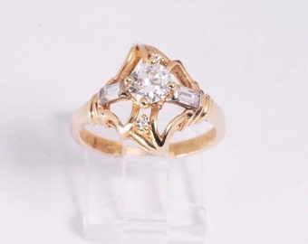 14K Yellow Gold app. .67 ct. Center Stone Diamond w/chips Ring, size 7