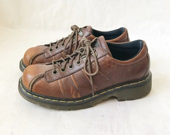 Vintage 90's DOC MARTEN Made in England Chunky Oxfords. Size 8 UK// Size 8 Men's // Size 11 Women's U.S.