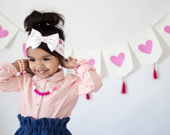 Personalized baby Bow - newborn Headband - Name bow - Newborn Baby Gift - Personalized Gift - Toddler Headband – Pink Hearts Bow