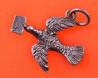 Silver Victorian Bird Charm (907g)