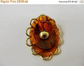On Sale Vintage Modernist Torte Plastic Pin Item K # 704
