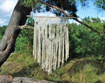 Macrame wall hanging on driftwood - Giant - Bohemian macrame wall hanging - Handmade - Wall Art - Boho Macrame home decor - Ivory - White