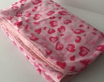 Baby girl blanket,fuchsia hearts blanket, baby girl gift, baby shower gift,colorful baby blanket, pink and fuchsia blanket, soft blanket