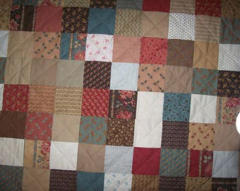 Old-Fashioned Patchwork Quilt//throw//blanket//housewarming gift