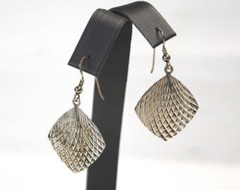 Vintage 925 Sterling Silver Flat Diamond Cut Crisscross Pattern Dangle Drop Earrings