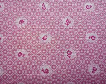Tiny daisy, on pink dot, 1/2 yard, pure cotton fabric
