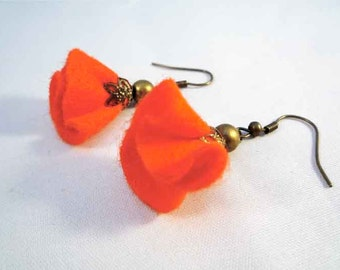 Felt Earrings - felt flower earrings - dangle and drop earrings - textile jewelry - brass - wire on earrings