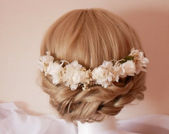 Hair comb  with treated flowers in ivory