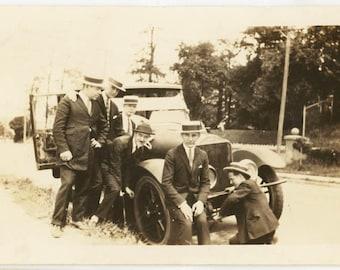 vintage photo 1915 Men Crank Car Sit on Around Affectionate Group