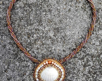 Shell Game Seashell & Freshwater Pearl Beaded Necklace