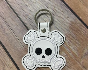 Skull and Crossbones, Jolly Roger Skull Embroidered Keychain, Key chain, KeyFob, Snaptab