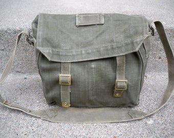 Vintage 1954 MVC Gas Mask Field Army Green Canvas Musette Soldier Shoulder Bag