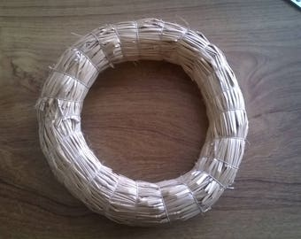 235) Crown, ring blank and top with straw