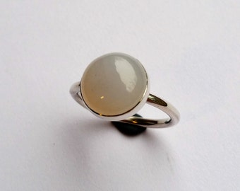 Chalcedony lavender 12 mm in a silver ring of 2 mm wire size 18.5