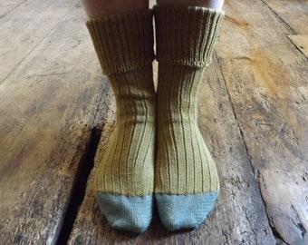 Ladies' Handmade Wool Socks - Golden Heather
