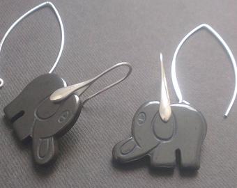 Little elephants in gemstone and silver hooks