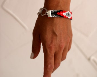 Red's & Gray's Chunky Chain Friendship Bracelet.