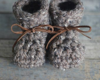 Baby Booties, Baby Shoes, Leather Shoes, Baby Shower, Baby Gift, Gift for New Mom, New Baby Gift, Knit Booties, Leather Booties, Crib Shoes