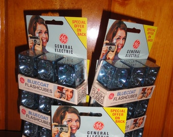 Vintage 15 Packages of GE General Electric Three Bluecoat Flashcubes With Green Dot Flash In Original Sealed Packaging